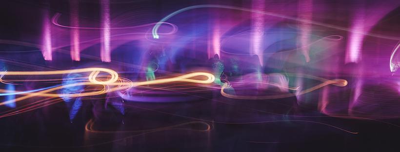 Night, lights, swirl and party | Daniel Wirtz - Unsplash.com